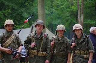 CREVECOEUR, Le Bataillon Français de l'ONU en Corée. (1950-1953) Ccf8463fd062a0106...c09c7029-45a52ce